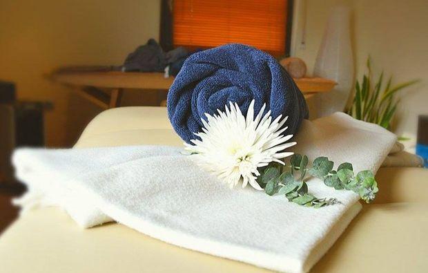 lava-shell-ganzkoerpermassage-eppelheim-wellnesstag