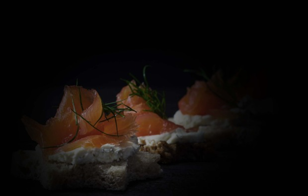hamburg-dinner-in-the-dark-lachs