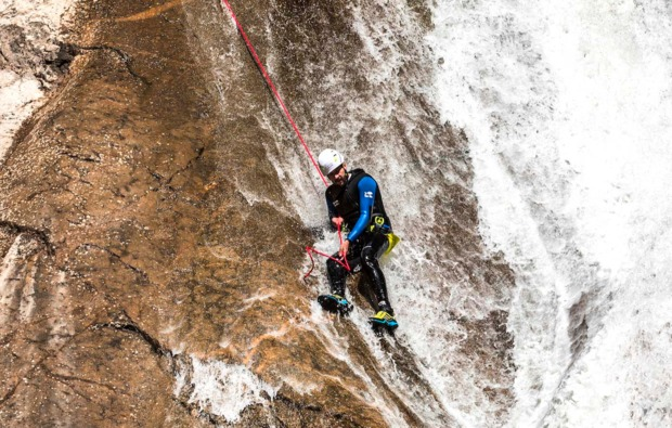 canyoning-tour-sonthofen-wasserfall