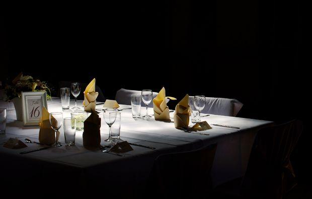 dinner-in-the-dark-freiburg-tisch