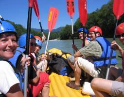 Bild Schlauchboot-Tour - Im Schlauchboot wartet einmaliger Paddelspaß