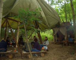 Wildnis-Wochenende Erste Hilfe, Feuermachen, Knotenkunde, Bogenschießen