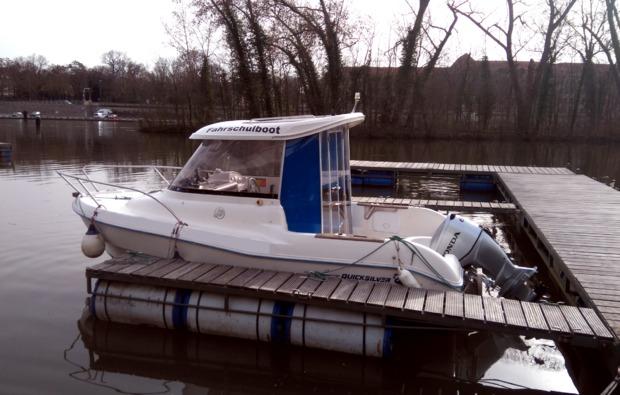 motorboot-fahren-wuerzburg-schiff
