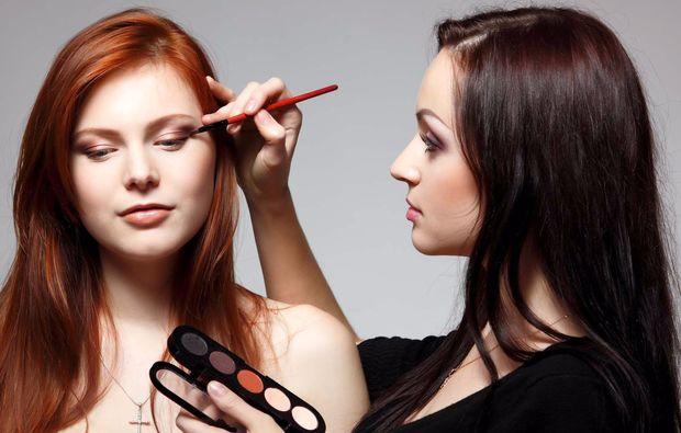 make-up-beratung-hamburg-schminken