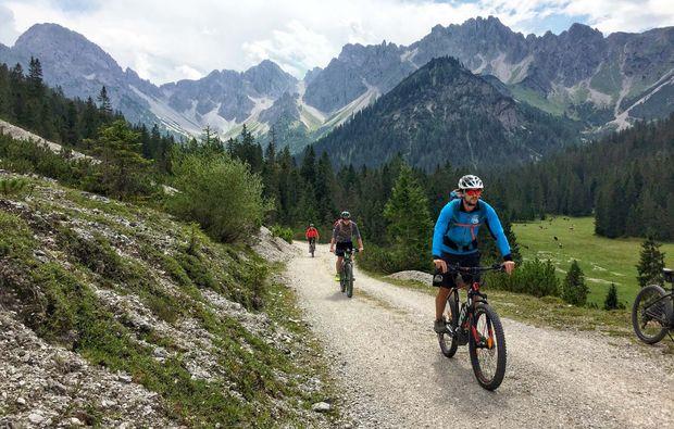 fahrradtour-seefeld-tirol-hallerangeralm-biken