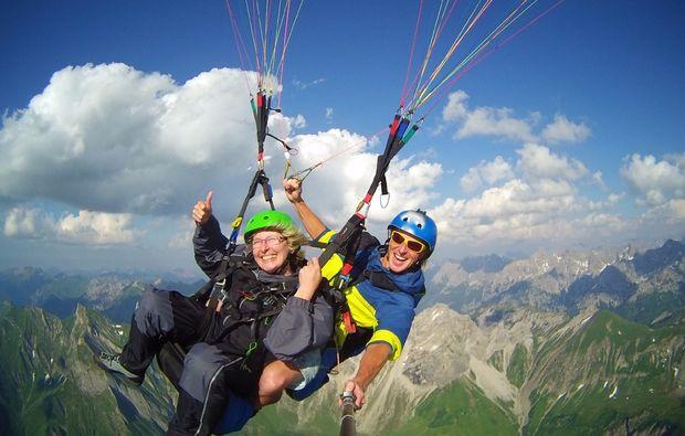 gleitschirm-tandemflug-adrenalinflug-oberstdorf-abenteuerlich