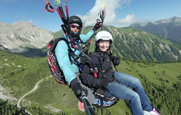 gleitschirm-tandemflug-lermoos-tandem