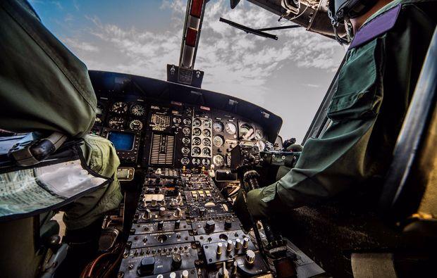 traumtage-fruehstueck-flugsimulator-a320-berlin-cockpit