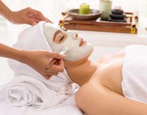 Gesichtsbehandlung - Eye Deluxe NIANCE Ritual, Reiningung, Peeling - 30 Minuten