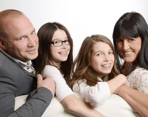 Familien-Fotoshooting inkl. Make-Up, 1 Print & 1 Bild digital, ca. 2 Stunden