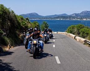 Roller- und Motorradtouren Cal...