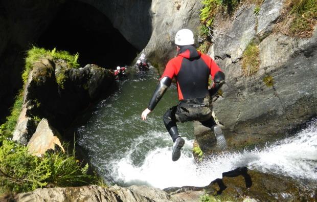 abenteuer-wochenende-sautens-tirol-canyoning