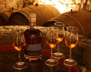 Whisky Tasting für Zwei (Fränkische Whiskyführung) von 2 Sorten Whisky & Brennereiführung