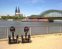 Kleine Segway-Tour - Köln - 1,5 Stunden Tour entlang des Rheins - Ca. 2 Stunden