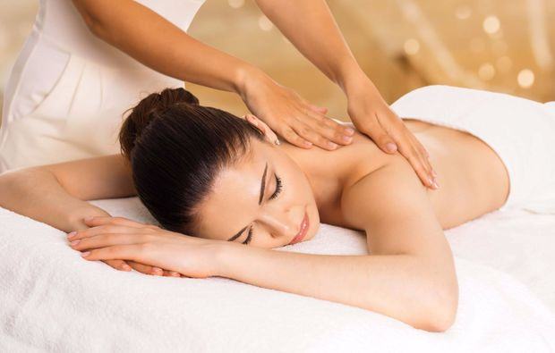 mobile-massage-fuerth-ruecken-nacken