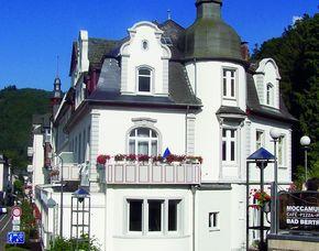 2x2 Übernachtungen - Kurhotel Quellenhof - Bad Bertrich Kurhotel Quellenhof