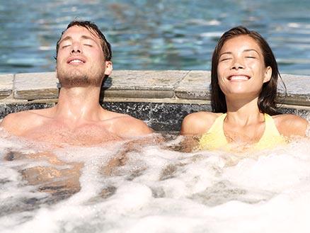 Romance Wellness für Paare - Le Méridien - München Spa-Tageskarte Emotion Spa, Aromamassage, Ganzkörperpeeling