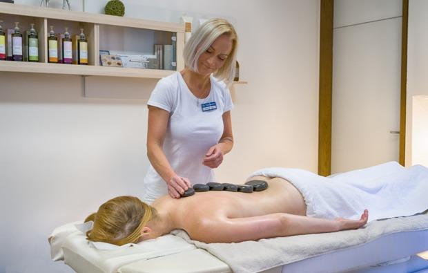 romantikwochenende-bad-duerrheim-massage