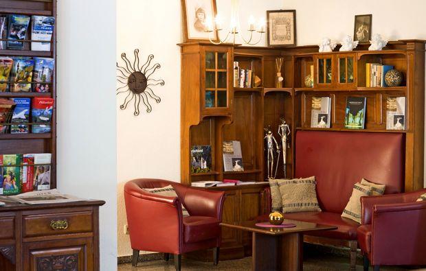 kulturreisen-schwetzingen-foyer