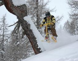 SB107_-_snowbike_-powder