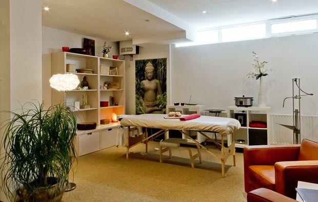 hot-stone-massage-augsburg-massageraum