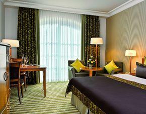 Schlemmen und Träumen für Zwei - mit zwei Übernachtungen - Heringsdorf Hotel Travel Charme Strandidyll - 4-Gänge-Menü, Rosenblütenbad