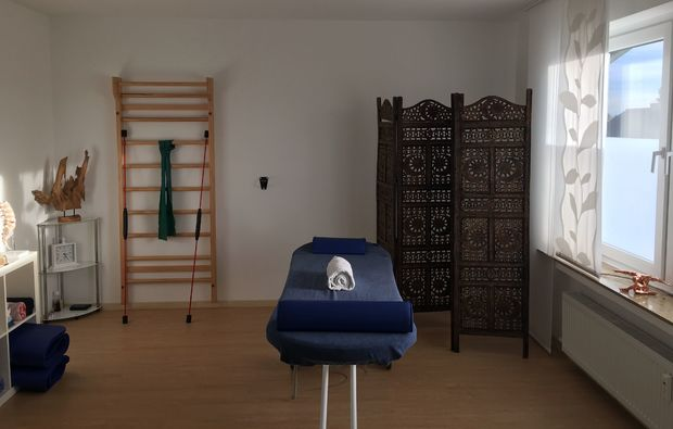ganzkoerpermassage-paderborn-massageliege