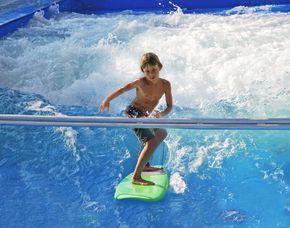 INDOOR-SURFEN - Wochen-Ticket 1,5 Stunden - Wochen-Ticket