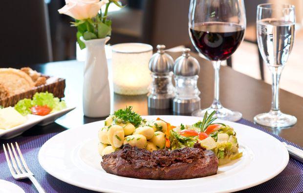 kurzurlaub-hamburg-buchholz-dinner