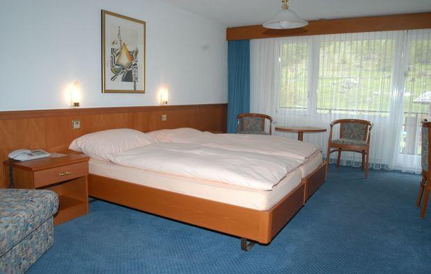 romantikwochenende-saas-almagell-doppelzimmer