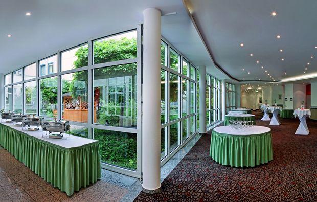 staedtetrips-halle-an-der-saale-aula