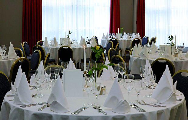 staedtetrips-halle-an-der-saale-dinner