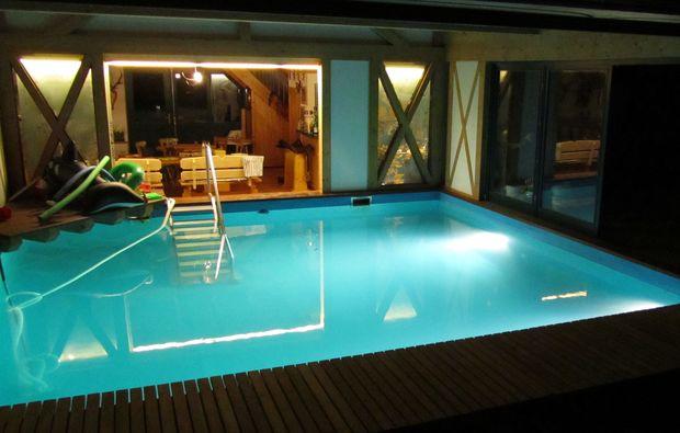 kurzurlaub-sulzfeld-pool