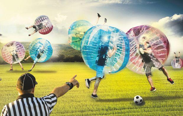 bubble-football-bremen-frankfurt-am-main-halle-magdeburg-nuernberg-rostock-wolfsburg-fussball