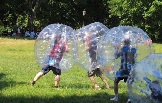 bubble-football-bremen-frankfurt-am-main-halle-magdeburg-nuernberg-rostock-wolfsburg-sport