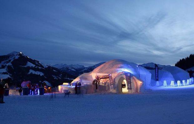 iglu-uebernachtung-brixen-im-thale-alpen