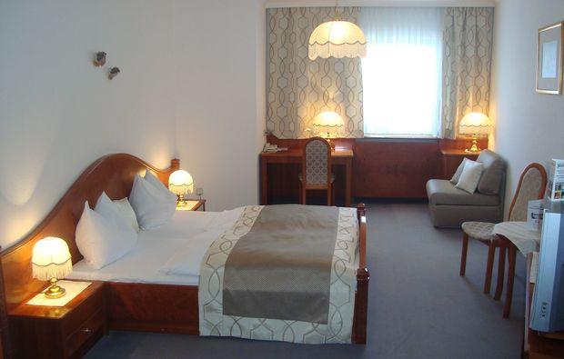 schlemmen-traeumen-steyr-doppelbett