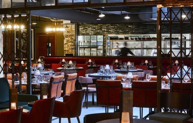 film-und-drehortreisen-london-england-restaurant
