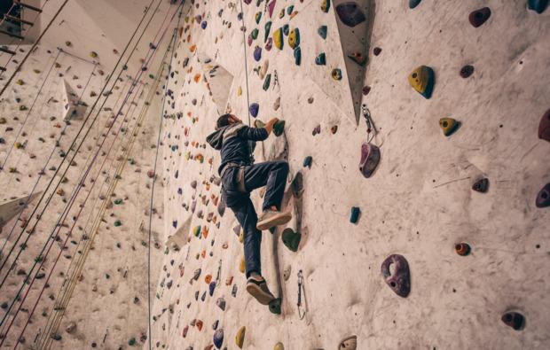 indoor-klettern-schneizlreuth-bg1