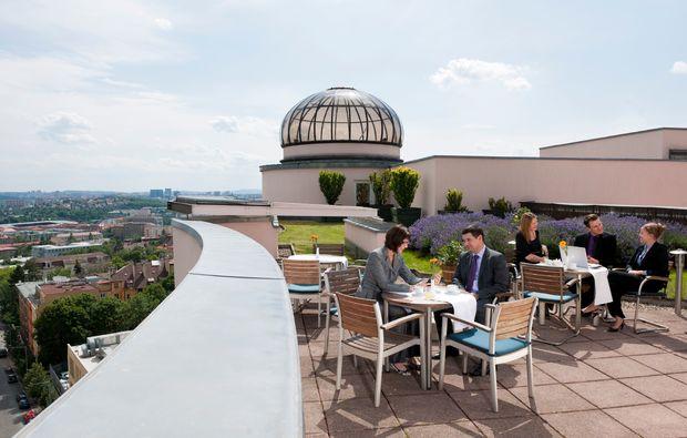 kurztrip-bierliebhaber-prag-terrasse
