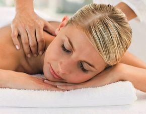 Wellness für Frauen - Ehingen Infrarotkabine, Rückenmassage, Gesichtsmassage