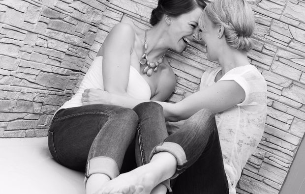 bestfriends-fotoshooting-erlangen-lachen