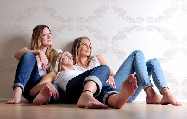 bestfriends-fotoshooting-regensburg-entspannt
