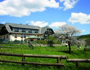 Kurzurlaub inkl. 60 Euro Leistungsgutschein - Der Berghof - St. Peter am Kammersberg Der Berghof