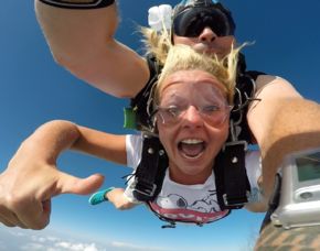 Fallschirm Tandemsprung - Kempten Durach Kempten Durach Sprung aus ca. 3.000-4.000 Metern - ca. 30-60 Sekunden freier Fall