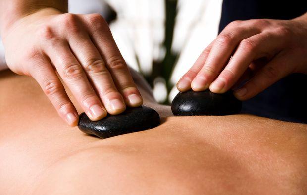 hot-stone-massage-eppelheim-basaltsteinmassage