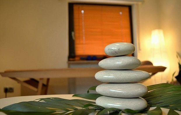 hot-stone-massage-eppelheim-ganzkoerper