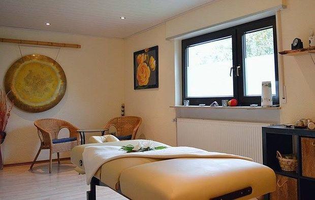 hot-stone-massage-eppelheim-massagestudio