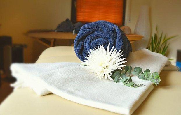 hot-stone-massage-eppelheim-wellnesstag