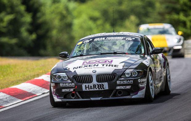 bmw-z4-fahren-nuerburgring-adrenalin